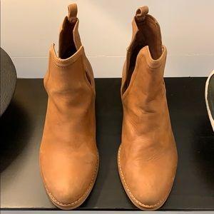 Jeffrey Campbell boots size 7.  Camel